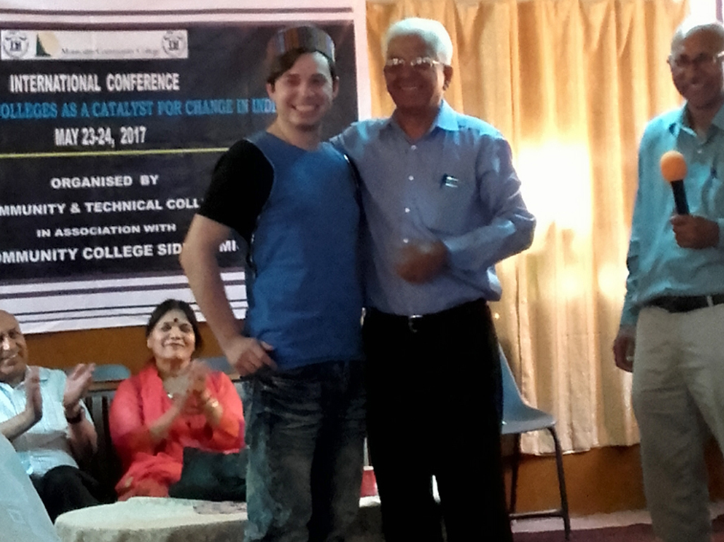 Mr.Vinod Gupta with foreigner guest-msp college